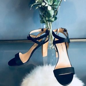 [Sole Society] Julian Hough Strappy Sandals